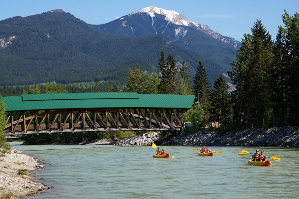 Kayak tours through Golden BC with Glacier Raft Company