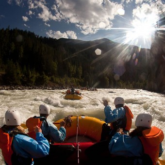 River rafting with Glacier through the middle canyon