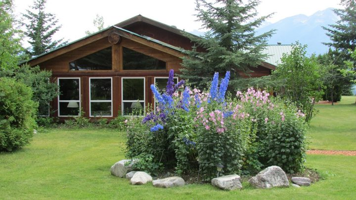 Glacier Raft Company's lodge in Golden B.C.