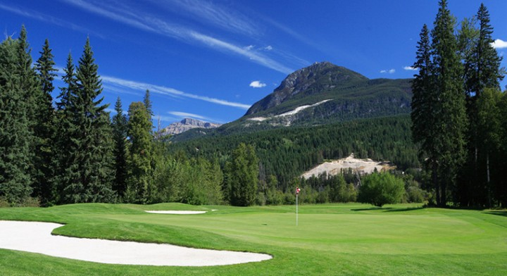 Golfing at the Golden Golf Club in British Columbia