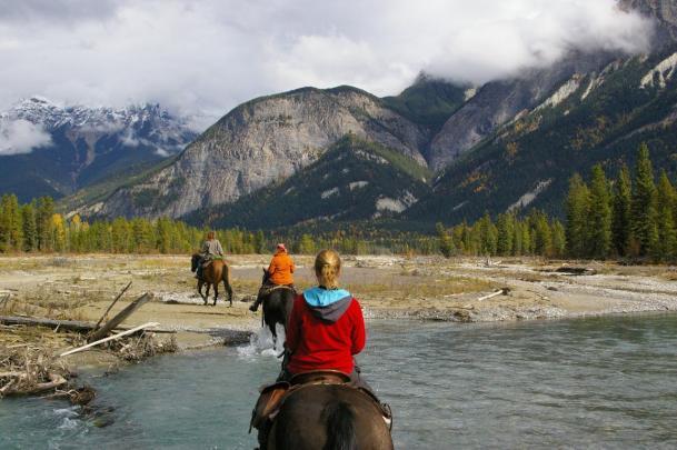 Horseback riding tours in Golden BC